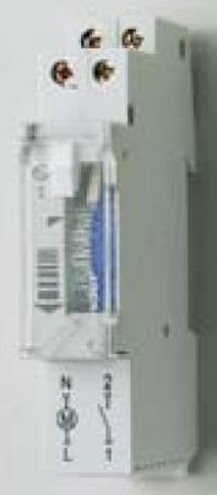 Kapcsolóóra 16A 230 V 1 modul